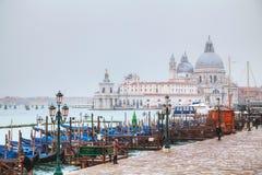Di Santa Maria della Salute som sett från den San Marco fyrkanten royaltyfri bild