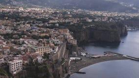 Di Sorrento, comune en la provincia de Nápoles, viaje, hoteles, nubes hermosas de la meta del lapso de tiempo de Hiper almacen de metraje de vídeo