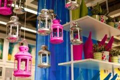 Di supporti di candela colorati multi decorativi delle lanterne Fotografia Stock