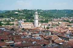 Di Verona del Duomo y el centro de la ciudad fotografía de archivo