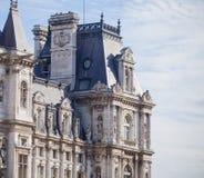 Di vista lato in cima del palazzo reale a Parigi Fotografia Stock