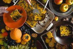 Dia americano da ação de graças, tarte de abóbora do chocolate, fruto Foto de Stock