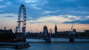 Dia ao lapso da noite do olho e do Big Ben de Londres no por do sol, lapso Hyper video estoque