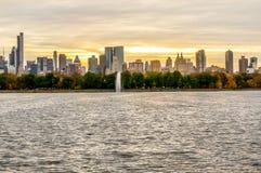 Dia bonito do outono para uma caminhada no Central Park New York City Manhattan imagens de stock royalty free