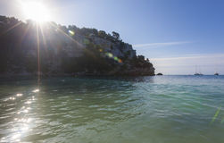 Dia bonito e ensolarado da praia, Macarella, Minorca, Menorca, Baleari Imagens de Stock Royalty Free