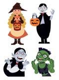 Dia das Bruxas ajustou-se com quatro caráteres bruxa, vampiro e zombi no estilo do vetor dos desenhos animados isolados no fundo  ilustração do vetor