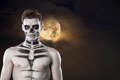 Dia de Los Muerto Costume - Tag der Toten ist ein mexikanischer Feiertag Ist hier ein Mann mit Schädelgesicht Halloween lizenzfreie stockfotos