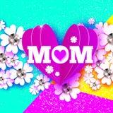 Dia de matrizes feliz MAMÃ do amor com coração dobrado Cartão floral branco com pedras brilhantes O dia das mulheres com papel Imagem de Stock Royalty Free