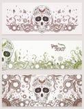 Dia de Muertos有华丽的糖头骨横幅在抽象花卉装饰背景 停止的日 免版税图库摄影