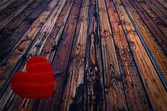 Dia de Valentim de madeira do amor da lareira do fundo marrom de madeira colorido da tabela da cerca Imagem de Stock Royalty Free
