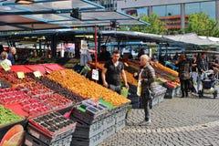 Dia de verão em Hötorget Imagens de Stock