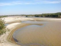 Dia de verão morno da lagoa de Danube River imagens de stock