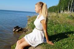 Dia de verão morno no mar imagem de stock