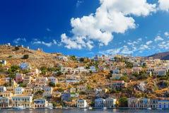 Dia de verões bonito na ilha grega de Symi no Dodecanese Grécia Europa Imagem de Stock