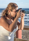 Dia do casamento no mar imagem de stock