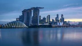 Dia do lapso de tempo ao por do sol da noite em Singapura filme