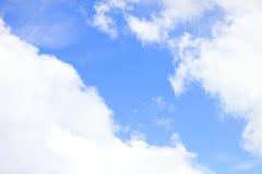 Dia do tirado com céu e a nuvem claros Imagens de Stock
