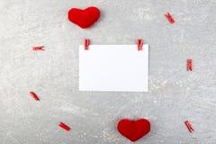 Dia do Valentim Cartão com espaço vazio perto dos corações Imagens de Stock