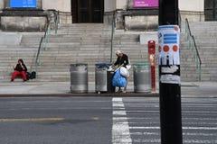 DIA-A-DIA EM HARLEM NEW YORK imagem de stock royalty free
