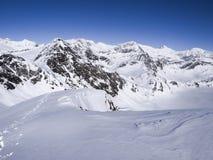 Dia ensolarado bonito e a neve em Suíça italiano ar Fotografia de Stock Royalty Free