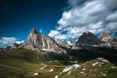 Dia ensolarado em Dolomity Fotos de Stock Royalty Free