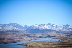 Dia ensolarado em lugares do paraíso em Nova Zelândia/lago sul Tekapo/igreja do bom pastor Imagem de Stock Royalty Free