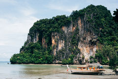 Dia ensolarado na praia do Ao Nang Imagem de Stock Royalty Free