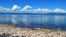 Dia ensolarado no Lago Baikal Fotografia de Stock
