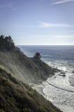 Dia ensolarado no Oceano Pacífico Big Sur Foto de Stock