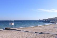 Dia ensolarado, o Mar Negro, céu azul Fotografia de Stock