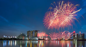 Dia nacional do fogo de artifício de Singapura Imagens de Stock Royalty Free