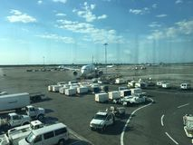 Dia ocasional do aeroporto um Imagens de Stock