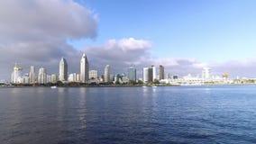 Dia que estabelece o tiro de San Diego Skyline como visto da baía filme