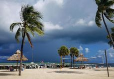 Dia tormentoso da praia Imagens de Stock Royalty Free