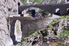 Diabła most przy St Gotthard przechodzi dalej Szwajcarskich alps Zdjęcie Stock