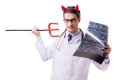 Diabeł lekarka w śmiesznym medycznym pojęciu odizolowywającym na białym backgrou Fotografia Royalty Free