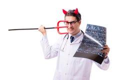 Diabeł lekarka w śmiesznym medycznym pojęciu odizolowywającym na białym backgrou Zdjęcia Royalty Free
