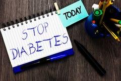Diabetes de la parada del texto de la escritura La sangre Sugar Level del significado del concepto es más alta que normal inyecte fotografía de archivo libre de regalías