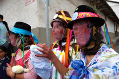 Diablada, celebrazioni popolari della città con la gente fotografie stock