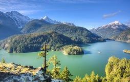Diablo jezioro w północy Spada kaskadą parka narodowego obraz stock
