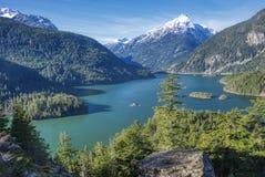Diablo jezioro w północy Spada kaskadą parka narodowego zdjęcie royalty free