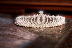Diadema da tiara da coroa do casamento Acessórios luxuosos casamento Imagens de Stock