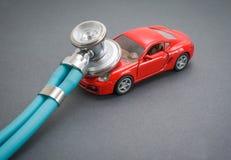 Diagn?sticos, inspecci?n, reparaci?n y mantenimiento del coche fotografía de archivo