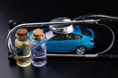 Diagnos av en passagerarebil Reparation och felsöka i bilseminarier arkivbild