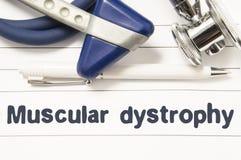 Diagnos av muskeldystroficloseupen Medicinsk bokhandbok för doktorsneurolog med överskrifttext av den neurological sjukdomen Musc Arkivfoton