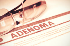 Diagnose - Adenoma Stethoskop liegt auf Set Geld Abbildung 3D Lizenzfreies Stockfoto