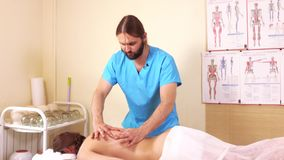 Diagnose vóór een massage stock video