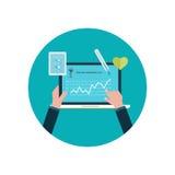 Diagnostic médical et recherche en ligne de médecine Photographie stock libre de droits