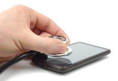 Diagnostique Smartphone fotos de archivo libres de regalías