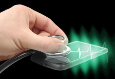 diagnostisera smartphonen Fotografering för Bildbyråer